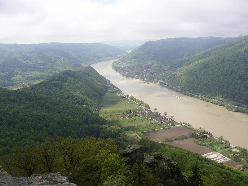Вахау, Дунай